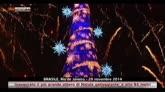 30/11/2014 - Brasile, inaugurato più grande albero di Natale galleggiante
