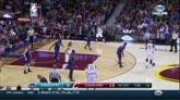 16/12/2014 - Nba, LeBron James trascina Cleveland contro Charlotte