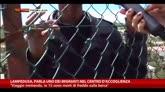 Lampedusa, parla uno dei migranti nel centro d'accoglienza