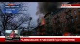 26/03/2015 - Palazzina in fiamme a Manhattan, si temono vittime