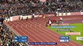 31/07/2015 - Lo sprinter gentiluomo: Edward vince e regala un fiore