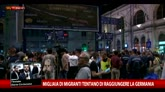 Budapest, migliaia di migranti in stazione