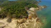 The Island con Bear Grylls: i veri uomini