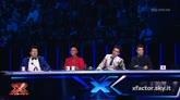 10/12/2015 - I giudici commentano  l'esibizione di Giosada