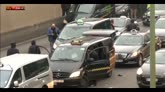 Parigi, giornata di caos tra scioperi e allarmi bomba