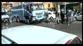 04/02/2016 - Roma, scontri durante sgombero polizia
