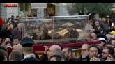 06/02/2016 - Le spoglie di San Pio in processione in Vaticano