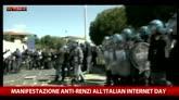 29/04/2016 - Pisa: scontri con la polizia a Italian Internet Day