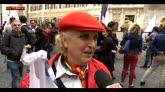 Unioni civili, fuori da Montecitorio la festa arcobaleno