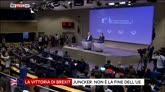 24/06/2016 - Brexit, la sala stampa applaude Juncker