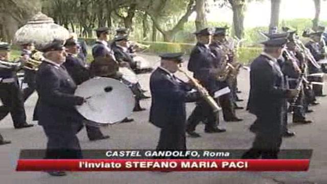 Il Papa fa festa con i Gendarmi pontifici