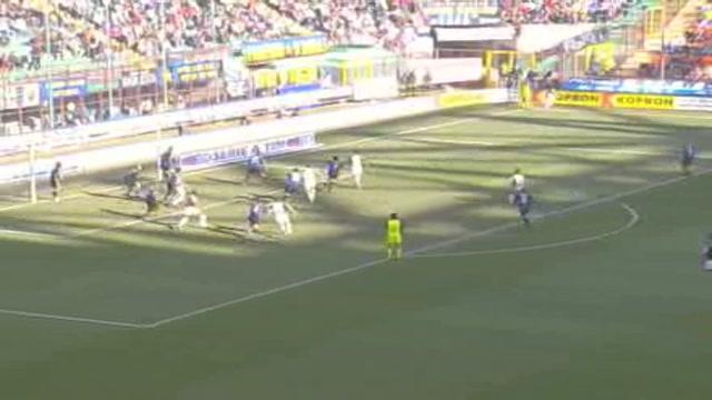 Inter, Mourinho non perdona, Adriano resta a casa