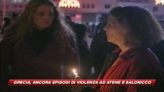 Ancora sontri ad  Atene, molotov contro la polizia