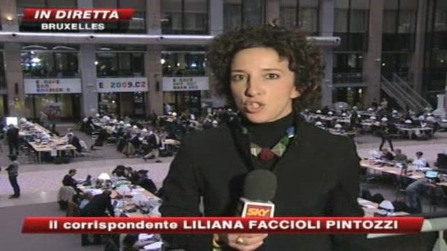 Crisi, Berlusconi: no all'assegno di disoccupazione