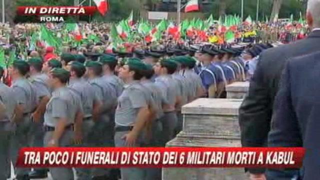 L'arrivo delle bare dei caduti di Kabul nella basilica