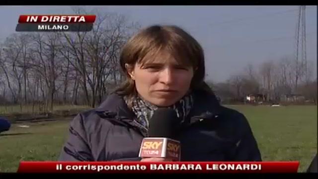 Milano, incendio di un campo nomadi, morto un ragazzino
