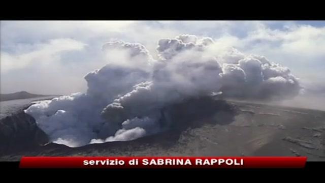 Vulcano Islanda, eruzione costante e nuvola cenere più bassa