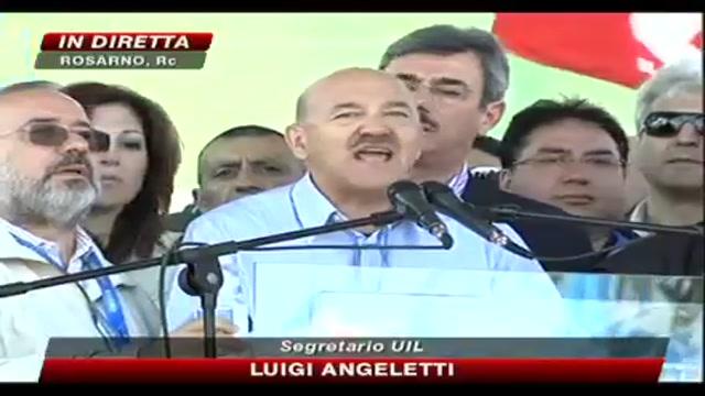 Luigi Angeletti parla da Rosarno: Il potere politico non deve pensare agli interessi personali
