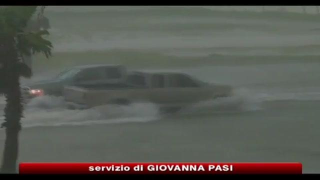Marea Nera, uragano Alex ritarda operazioni recupero greggio