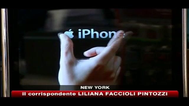 Apple, rivista consumatori boccia iPhone 4 e titolo perde in borsa