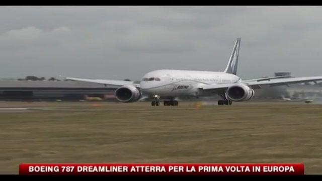 Boeing 787 Dreamliner atterra per la prima volta in Europa