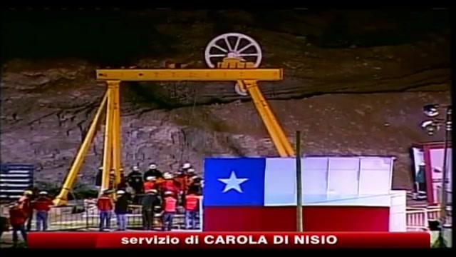 Minatori cileni: basta assedio media, meglio la miniera