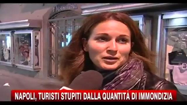 Napoli, turisti stupiti dalla quantità di immondizia