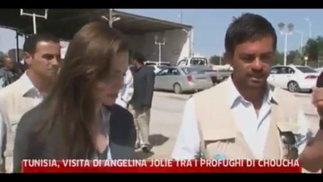 Tunisia, vista Angelina Jolie tra i profughi di Choucha