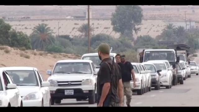 Libia,bombe sulla via di fuga da Sirte: morti due bambini