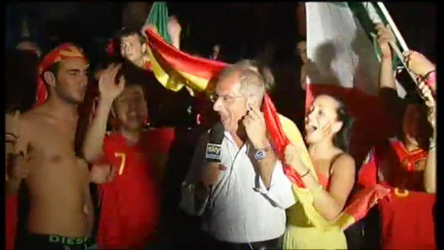 Da Bari, l'esultanza dei tifosi spagnoli