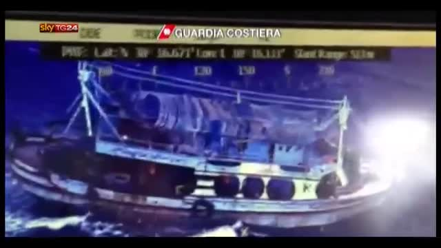 Maltempo in Calabria, un barcone con migranti alla deriva