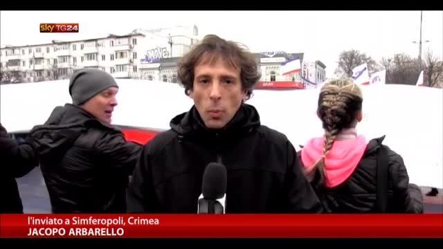 Crimea, manifestazioni popolazione in favore della Russia