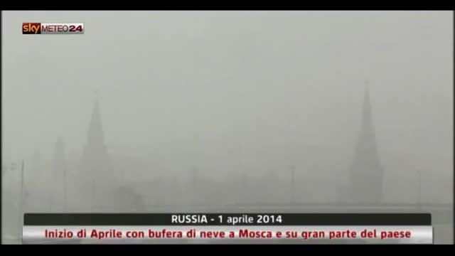 Russia, inizio di Aprile con bufera di neve a Mosca