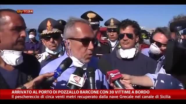 Arrivato a Porto Pozzallo barcone con 30 vittime a bordo