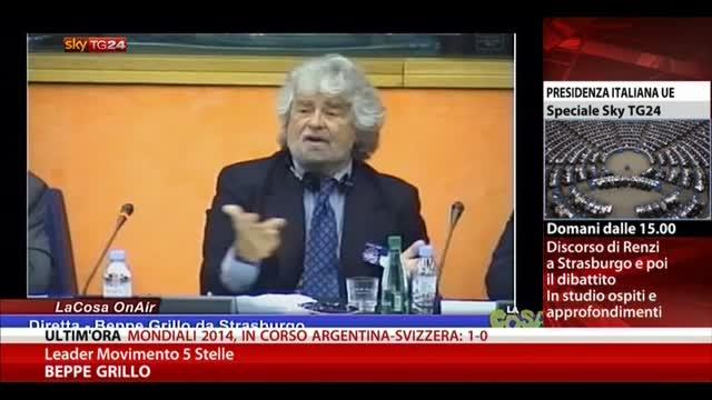 Grillo: non date finanziamenti Italia, vanno alla mafia