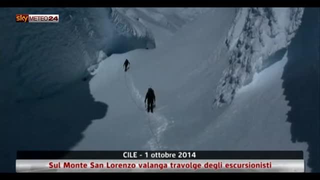 Cile, sul Monte San Lorenzo valanga travolge escursionisti