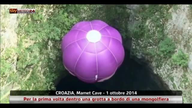 Croazia, dentro una grotta a bordo di una mongolfiera