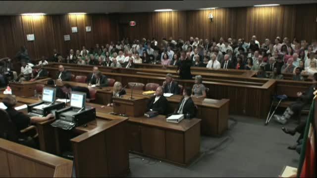 Omicidio della fidanzata, Pistorius condannato a 5 anni
