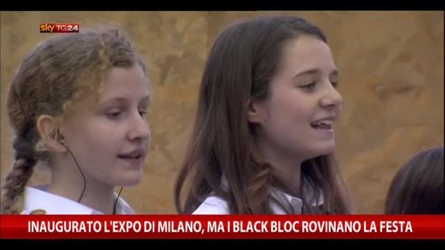 Inaugurato l'Expo di Milano, ma black bloc rovinano la festa