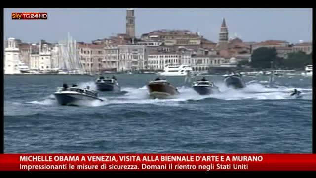 Michelle Obama a Venezia, visita alla Biennale e a Murano