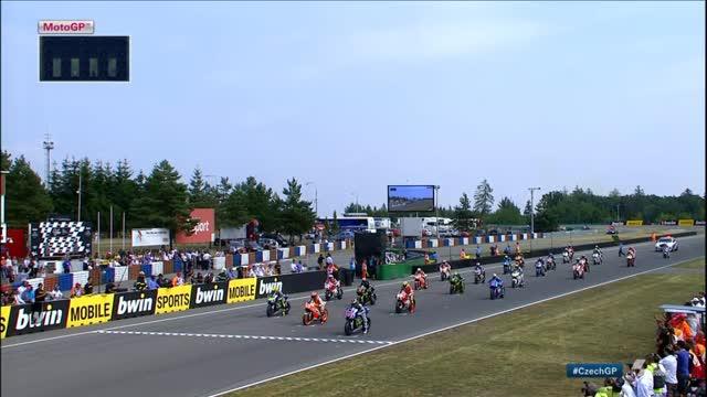 Lorenzo stravince a Brno davanti a Marquez. Rossi è terzo