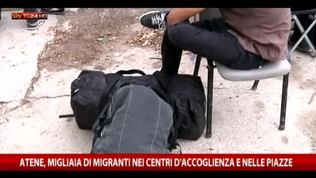 Atene, migliaia di migranti nei centri d'accoglienza