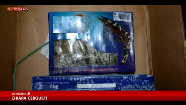 Sequestrate 6 tonnellate di cibi scaduti anche da 7 anni