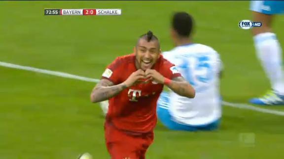 Il Bayern affonda lo Schalke: segna ancora Vidal