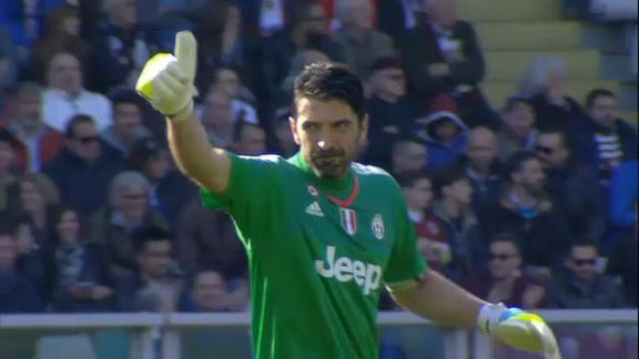 Juve riparte da Buffon e Barzagli: bianconeri fino al 2018