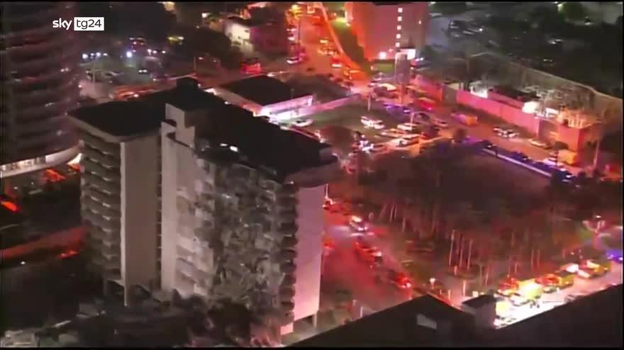 Miami, crolla un palazzo di 12 piani. VIDEO