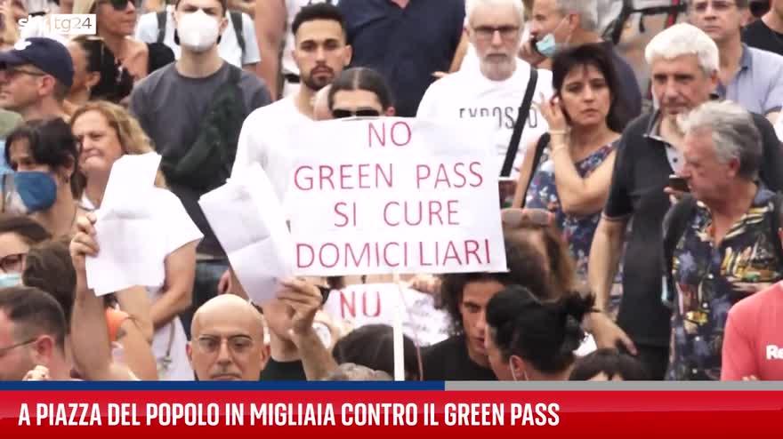 Roma, manifestazione contro l'obbligo del Green Pass