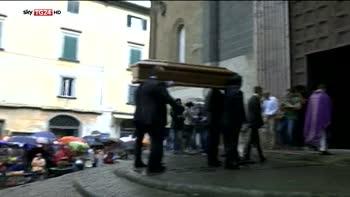 Funerali Anna Marchesini, a Orvieto l'ultimo saluto all'attrice
