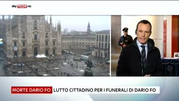 Dario Fo, oggi la cerimonia laica in piazza Duomo