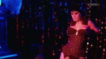 I Delitti del BarLume -Un Due Tre Stella: Vai col Burlesque